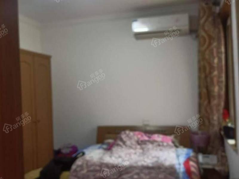 业主已购新房!诚意出售,浦江馨都,浦航路地铁边上正南两房。
