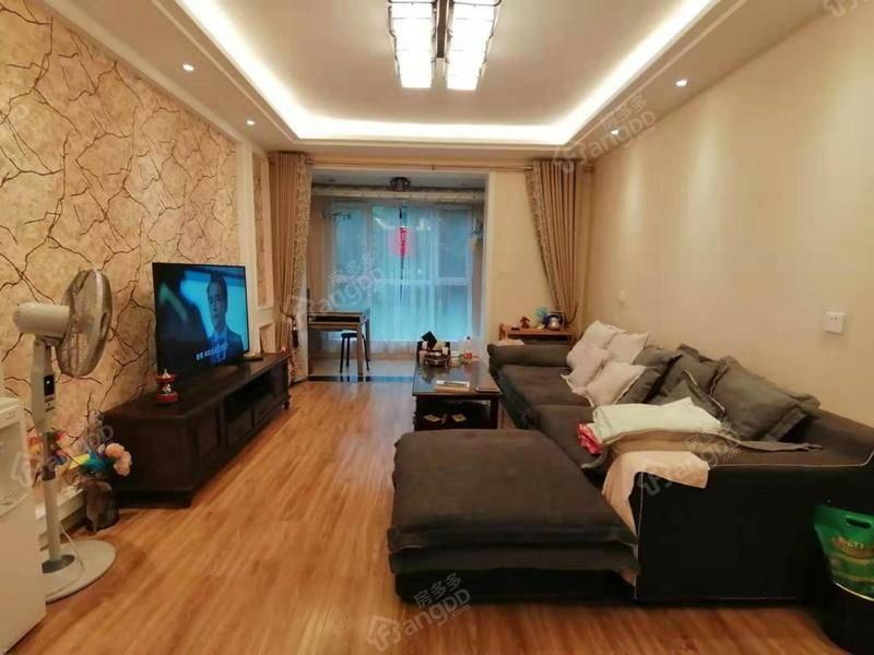 鑫苑大都汇大两室 带储物间 适合家里有老人居住  装修不错 厅