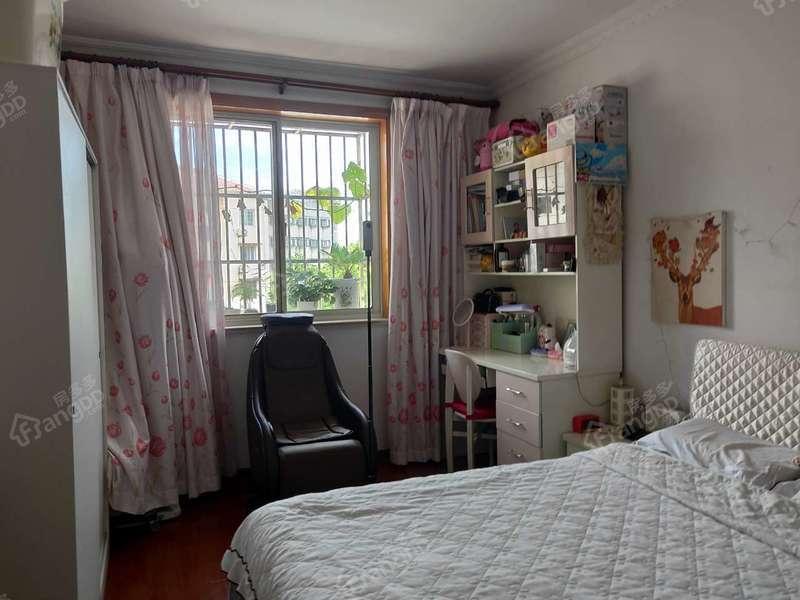 玉峰花园 3室 2厅 1卫 南北 493.00万