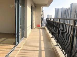 国匠设计 高档小区 碧桂园珑悦  8米2通体阳台 三卫
