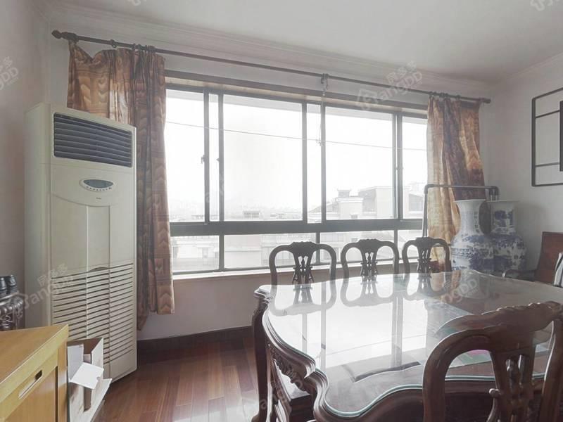 莱茵三房+60平大露台+顶楼复式+电梯房满五年真好房拎包入住