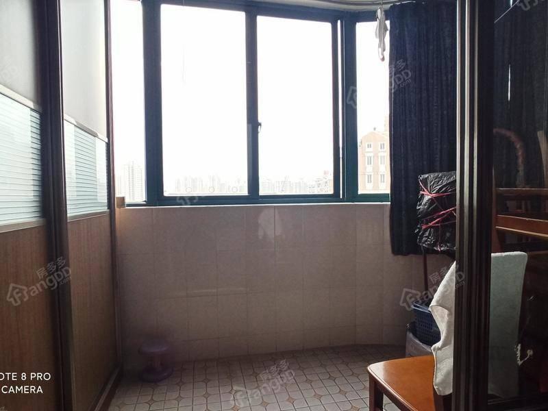 电梯, 独门独户 繁华地段 房型正格局好 接受置换客户