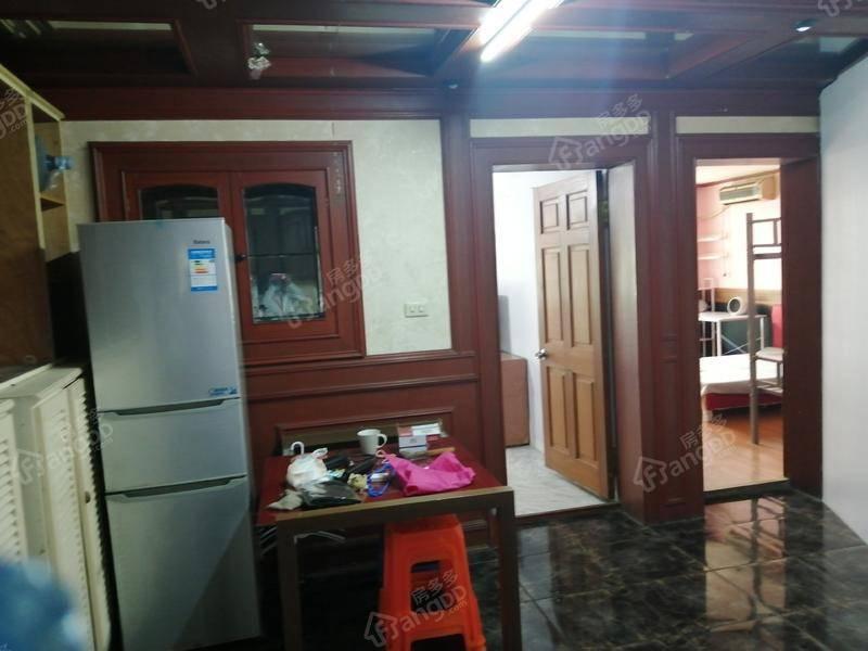 心族公寓 3室 2厅 1卫 南北 750.00万