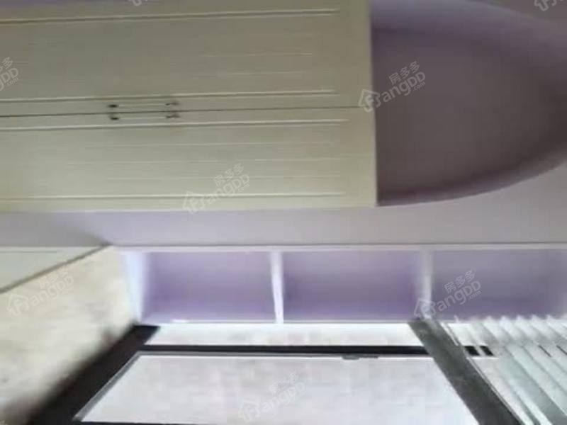 特推房源 电梯精装三房 站在客厅看佘山 南北通 急售置换!