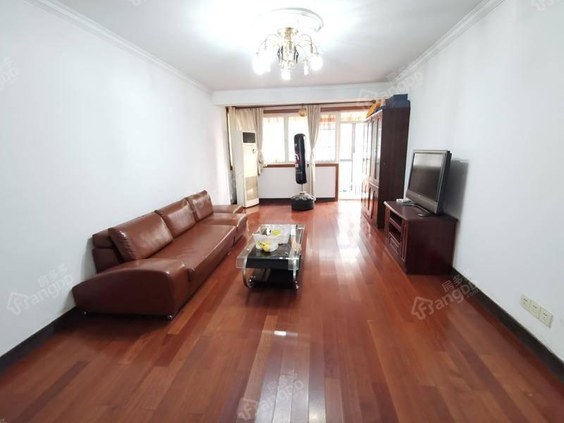 民东公寓 3室2厅2卫