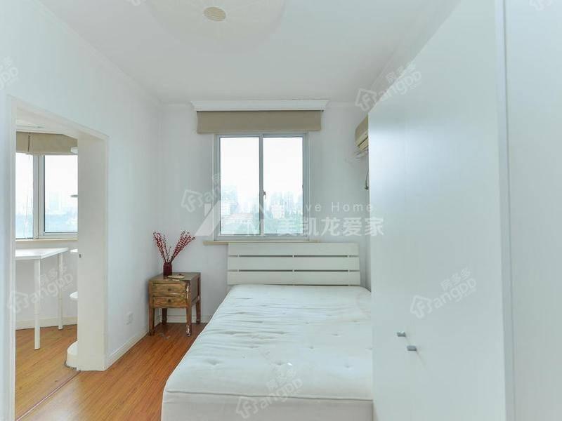 兴国大厦 2室 2厅 1卫 南 620.00万