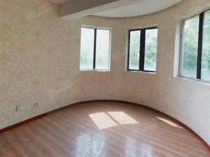 九城湖滨国际 4室2厅2卫