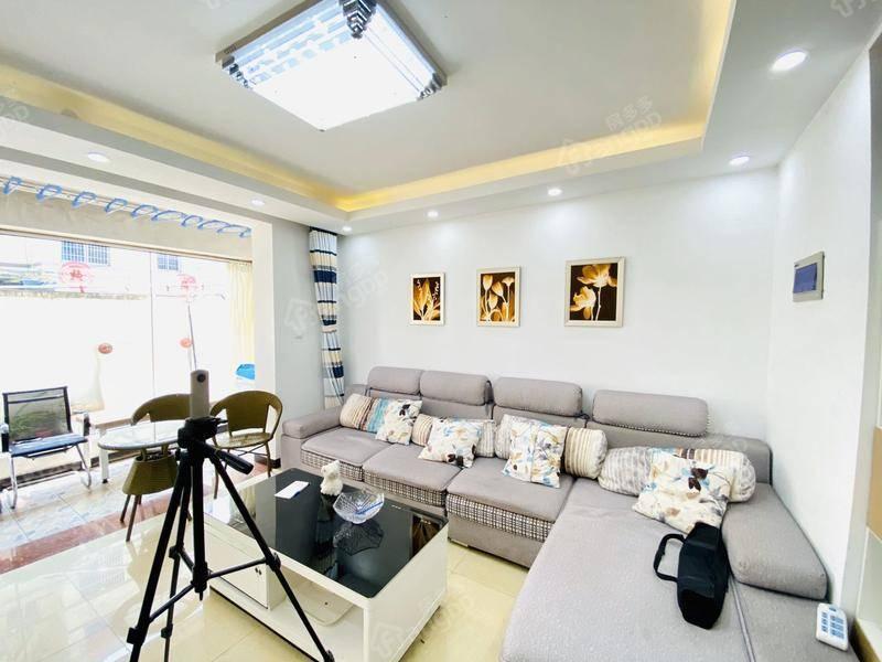 91平精装3房:位置安静采光好 超低单价 产权清晰