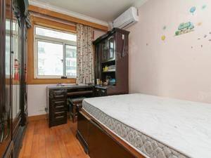雪城公寓 3室2厅1卫