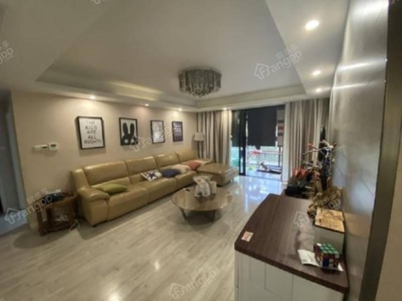 朝南 3室2厅 满五唯一住房 129平 房东急置换 诚意买房