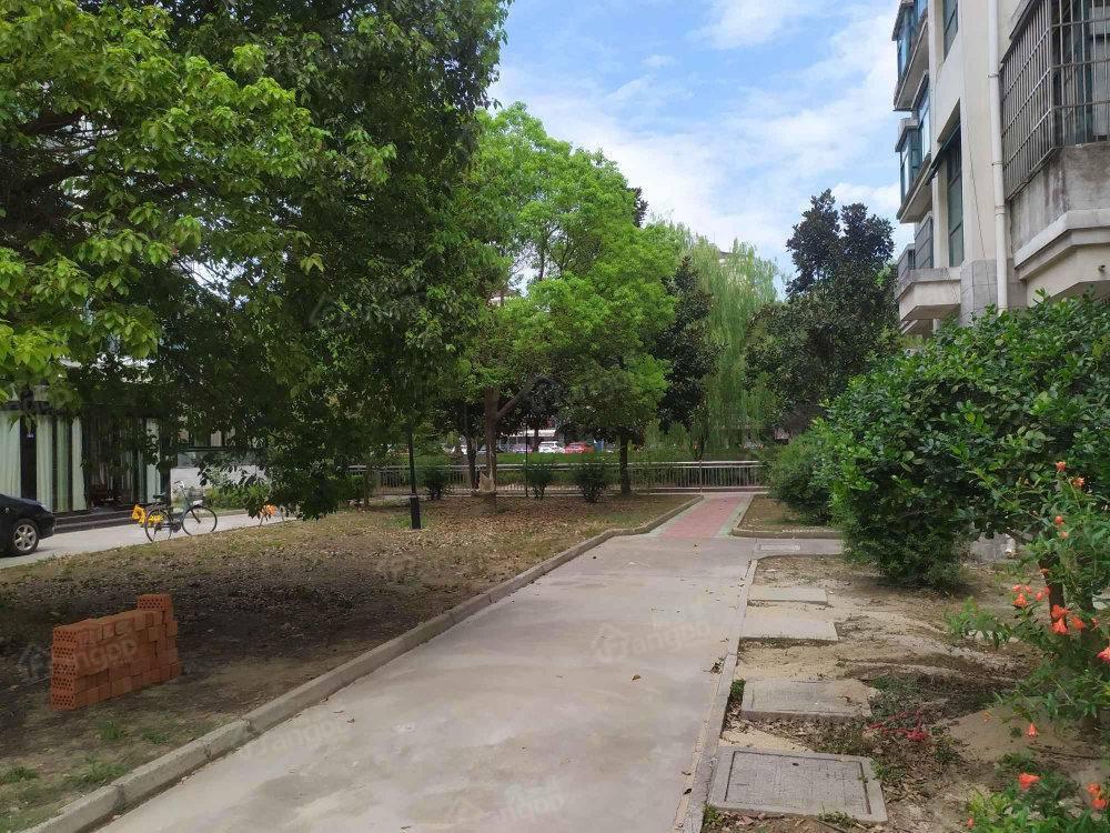 锦绣豪门花园小区图片